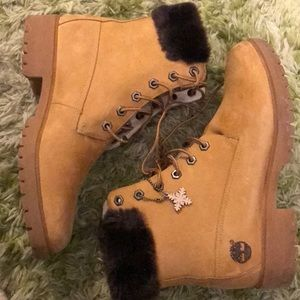 Boots with the Furrrr